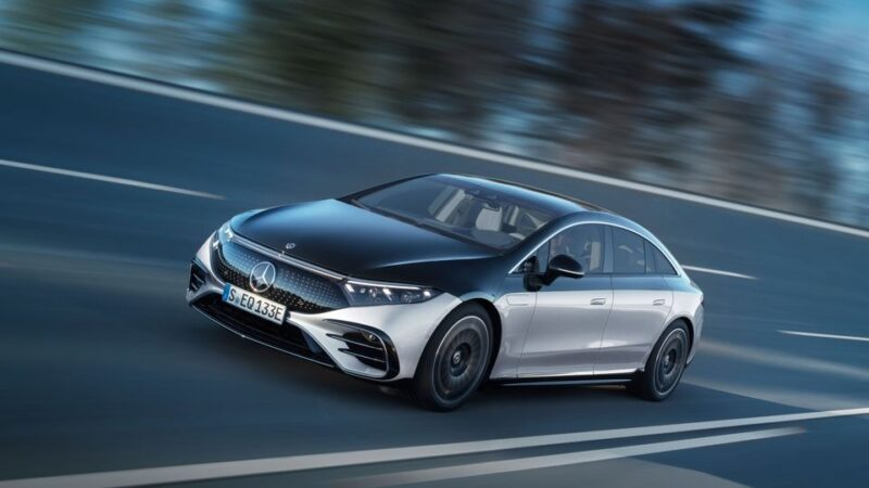 With flagship electric car, Mercedes takes fight to Tesla