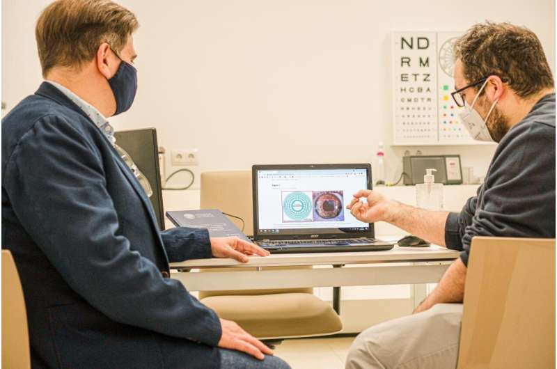 Researchers have designed the first totally transparent trifocal corneal inlay